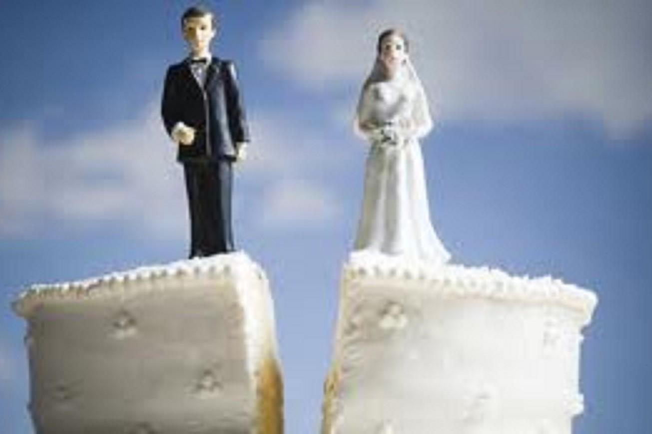 uscire con qualcuno attraverso il divorzio